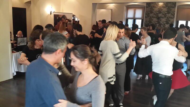 Tango Okulu Kaliteli Tango Eğitimi vermelidir.